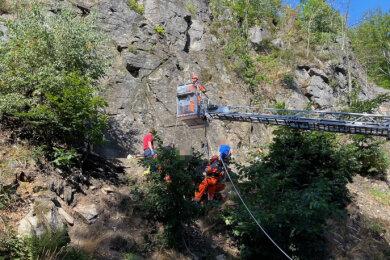 Ein Mann hat sich am Mittwoch bei einem Absturz im Klettergebiet Heidelbach bei Wolkenstein schwer verletzt.