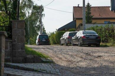 Die Straße Am Trützschler in Glauchau ist kaum noch befahrbar.