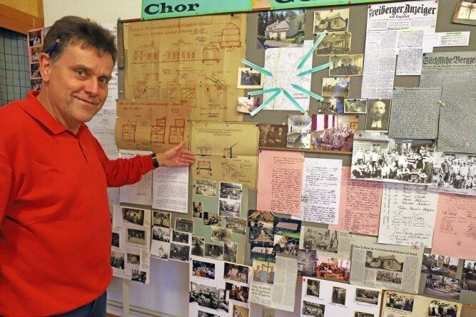 Zum 90. Jubiläum von Gemeinschaftshaus und Chor hat Siegfried Knoll Fundstücke aus dem Archiv ausgestellt.