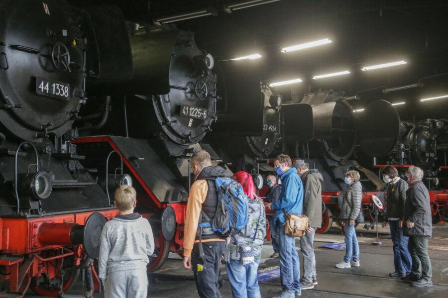 Mehr als 12.000 Gäste besuchten von Mitte Juli bis Ende Oktober die Landesausstellung Eisenbahn-Boom am Schauplatz Eisenbahn in Hilbersdorf und schauten sich unter anderem die Dampfloks an.