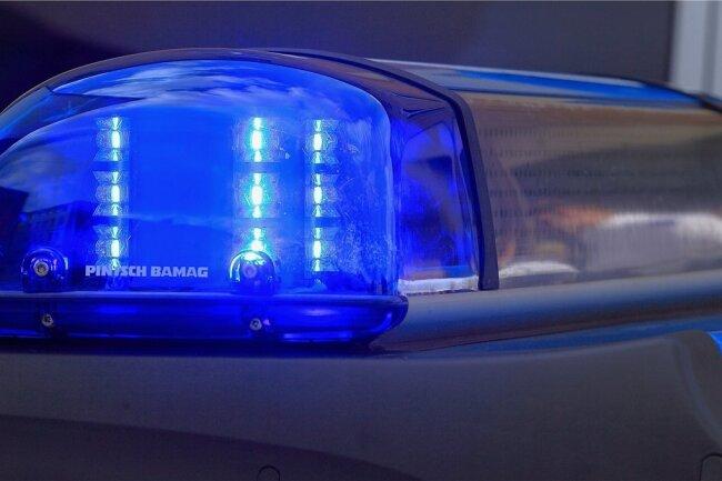 Ein Kind ist am frühen Donnerstagnachmittag schwer verletzt worden, als es plötzlich über die Straße rennen wollte.
