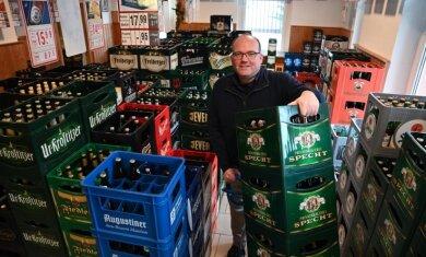 """Silvio Pause betreibt den """"Getränkeservice Pause"""", bei dem die Nachfrage nach Alkohol in der Pandemie leicht zurückgegangen ist."""