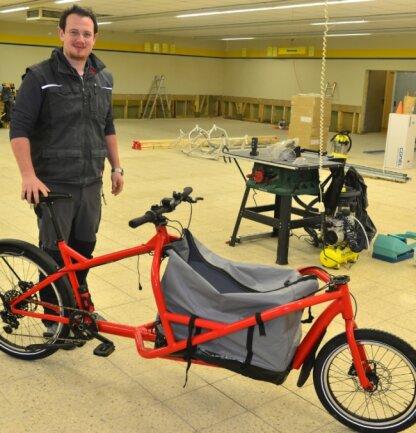 Clemens Kircher arbeitet künftig in der ehemaligen Kaufhalle in Kriebethal an Lastenfahrrädern.