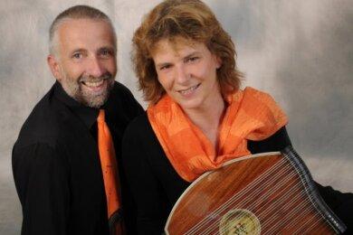 Das Duo Zitherklang mit  Birgit Weber und Tobias Duteloff aus Freiberg.