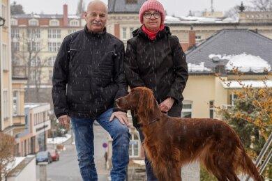 Vor einigen Tagen wurde Reiner Gerisch (63) aus dem Dienst verabschiedet. Ehefrau Sabine (55) wird auch künftig im Rathaus sauber machen. Hündin Lissey läuft dort nicht mehr Streife.