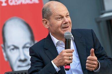 Im Bundesfinanzministerium von SPD-Kanzlerkandidat Olaf Scholz gab es vor wenigen Tagen eine Durchsuchung. Könnten die Ermittlungen gegen eine Zolleinheit für ihn gefährlich werden?