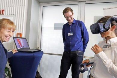 Petya Atanasova (r.) kam mit Katharina Müller-Eppendorfer und Sebastian Roch über die virtuelle Brille ins Gespräch.