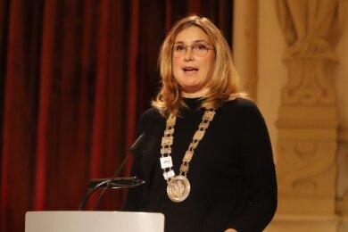 """Die neue Oberbürgermeisterin Constance Arndt bei ihrer Ansprache in der """"Neuen Welt""""."""