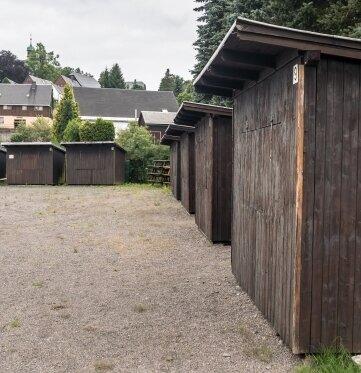 Auf dem Festplatz Deutschneudorf soll unter anderem der Schotterbelag verschwinden.