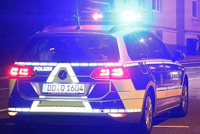 Zwei Polizisten wurden beim Einsatz verletzt.