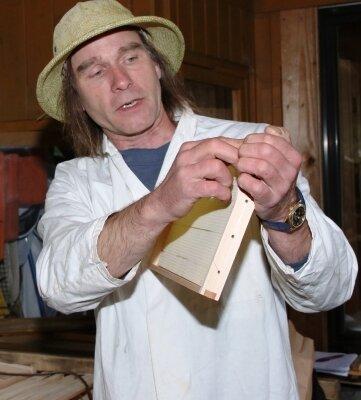 Bienensachverständiger Frank Heckers.
