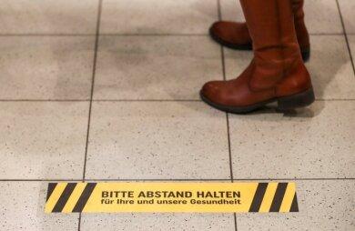 Friseure dürfen ab Montag wieder öffnen, auch das Tiergehege in Crimmitschau ist ab Montag wieder für Besucher eröffnet. Dabei gelten Auflagen und Einschränkungen.