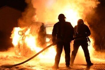 BMW in Flammen.
