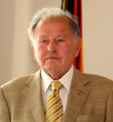 Nach Mittweidas Ehrenbürger Erich Loest soll die neue Stadtbibliothek benannt werden.