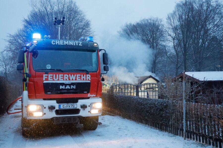 Laubenbrand in Helbersdorf - Polizei geht von Brandstiftung aus
