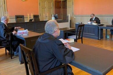 Das Strafverfahren am Landgericht Zwickau gegen den stellvertretenden Bürgermeister von Langenbernsdorf, Tobias Bär, eingestellt worden.