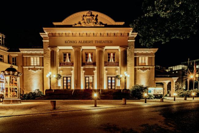 Das König Albert Theater bei Nacht.