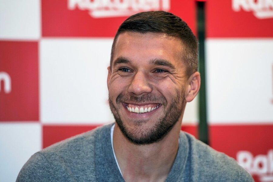 """Hat gut lachen: Fußballer Lukas Podolski wurde am häufigsten mit dem """"Tor des Monats"""" ausgezeichnet."""