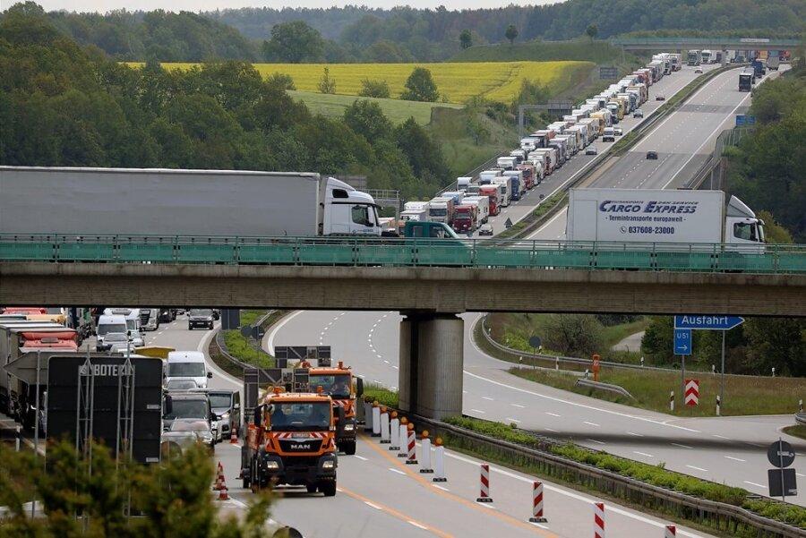 Bereits am 27. Mai war die A 4 zwischen Glauchau-Ost und Meerane in der Baustelle in Fahrtrichtung Erfurt voll gesperrt.