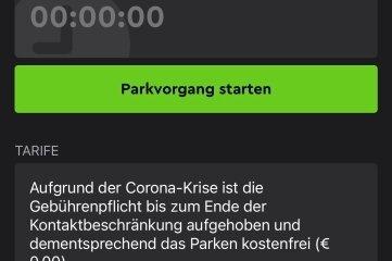 """Die Handy-App sagt: """"Parken ist kostenfrei""""."""