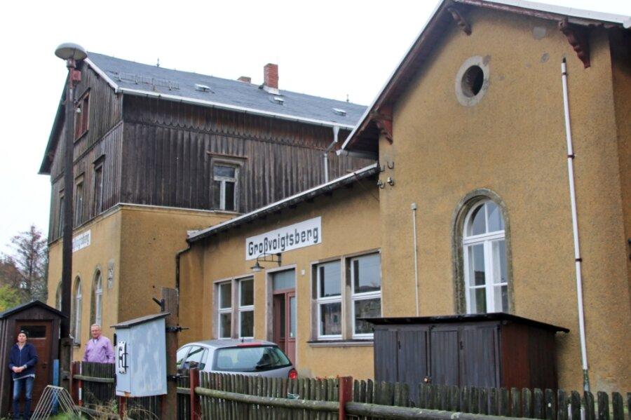 Der Bahnhof Großvoigtsberg wird vom 2009 gegründeten Förderverein Zellwaldbahn vor dem Verfall bewahrt.