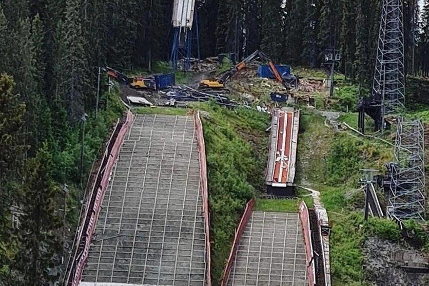 Der Abriss der bisherigen Anlagen im Schanzenkomplex Trondheim ist bereits im Gange.