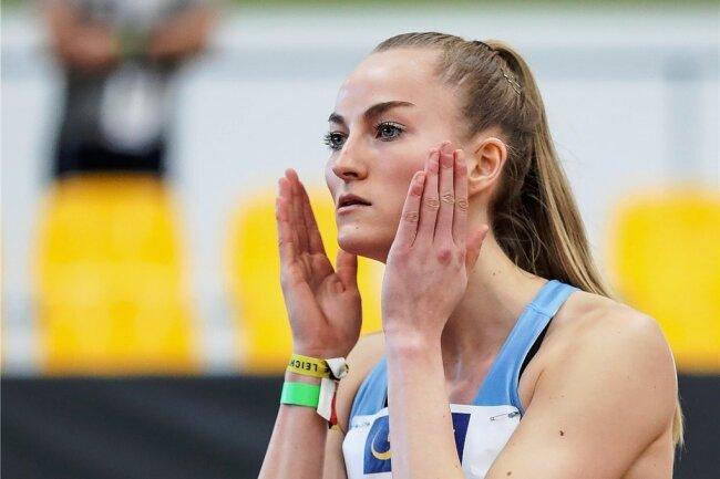 Eine hellwache Corinna Schwab verteidigte über 400 Meter ihren Titel von 2020 in Leipzig.