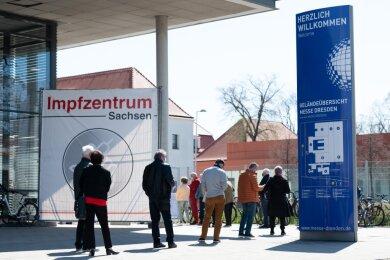Das Impfzentrum an der Messe Dresden ist eins von nur drei Zentren in Sachsen, die erhalten bleiben sollen.