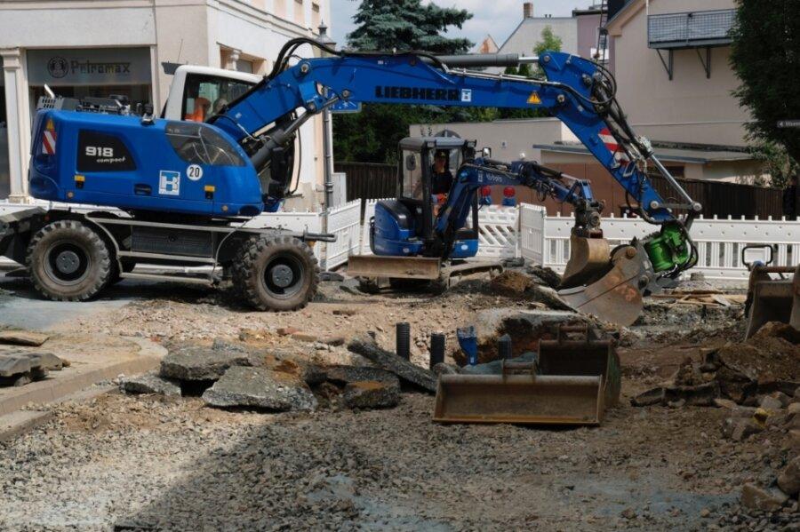 An der Kreuzung Weststraße/Weinholdstraße laufen zurzeit Arbeiten. Es handelt sich dabei um das größte städtische Straßenbauprojekt in diesem Jahr.
