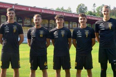 Moritz Seidel, Aleksandrs Guzlajevs, Yannic Voigt, Niclas Kubitz und Marius Kuhl (von links) sind neu im Team des VfB Auerbach.