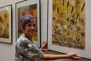 """Annemarie Honeger stellt gegenwärtig """"Inspirationen"""" in der Begegnungsstätte am Nordhorner Platz aus."""