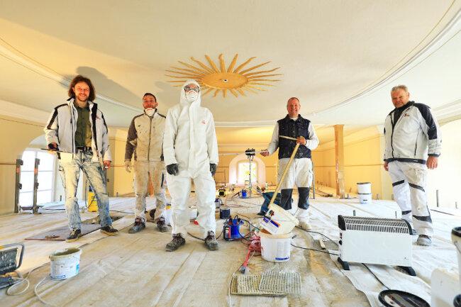 Das Team auf der Baustelle Kirche Roda