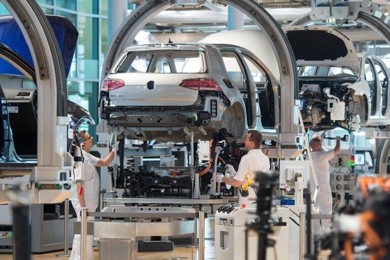 VW-Chef: Werden Elektroautos weltweit in 16 Fabriken bauen