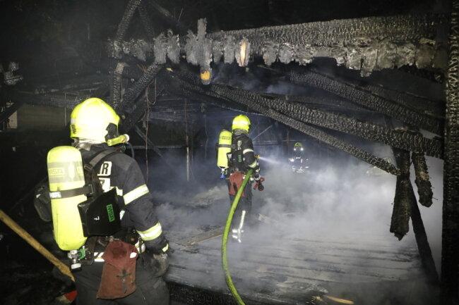 Auf dem Vereinsgelände am Sportplatz Wittgensdorf stand ein Bungalow in Flammen.