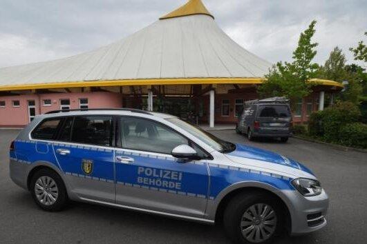 Update: Zwei Mädchen im Freibad Gablenz belästigt - Zeugen gesucht