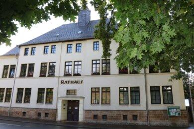Das Rathaus von Lichtentanne wurde im Juni 1945 zum Tatort. Der damalige Bürgermeister feuerte mit seiner Dienstpistole auf einen SS-Mann, der durch den Hinterausgang flüchten wollte.