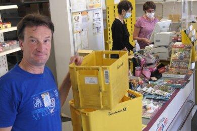 Im Geringswalder Büro-Post-Shop von Inhaber Falk Deutrich gehen Ende dieses Jahres die Lichter aus. Der Geschäftsmann sah die Schließung schon lange auf sich zukommen.