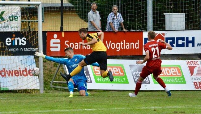 Die Regionalliga-Partie des 4. Spieltages verfolgten in Auerbach 465 Zuschauer.