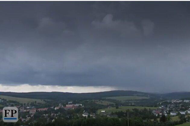 Unwetterwarnung: Schwere Gewitter im Erzgebirge und Vogtland erwartet