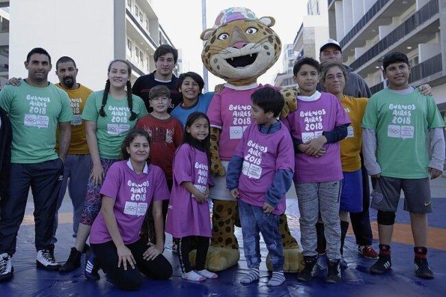 """Maskottchen """"Pandi"""" soll die Jugend dazu inspirieren, den Sport als Instrument zur Schaffung einer besseren Welt anzusehen und auf die Tierarten aufmerksam machen, die vom Verschwinden bedroht sind."""