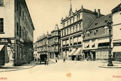 Der Marienplatz um 1900. Ein Blick in die Marienstraße zeigt, dass nicht viele der alten Häuser erhalten sind.