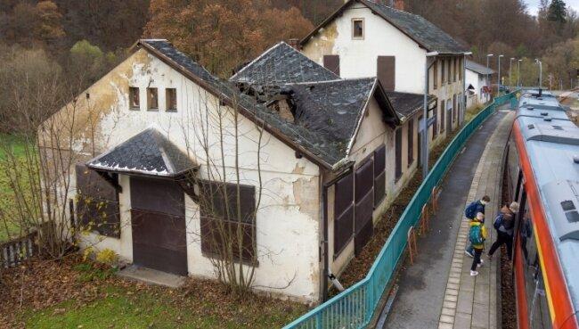 Der Haltepunkt Lengefeld-Rauenstein soll für 142.000 Euro einem modernen Wanderparkplatz weichen.