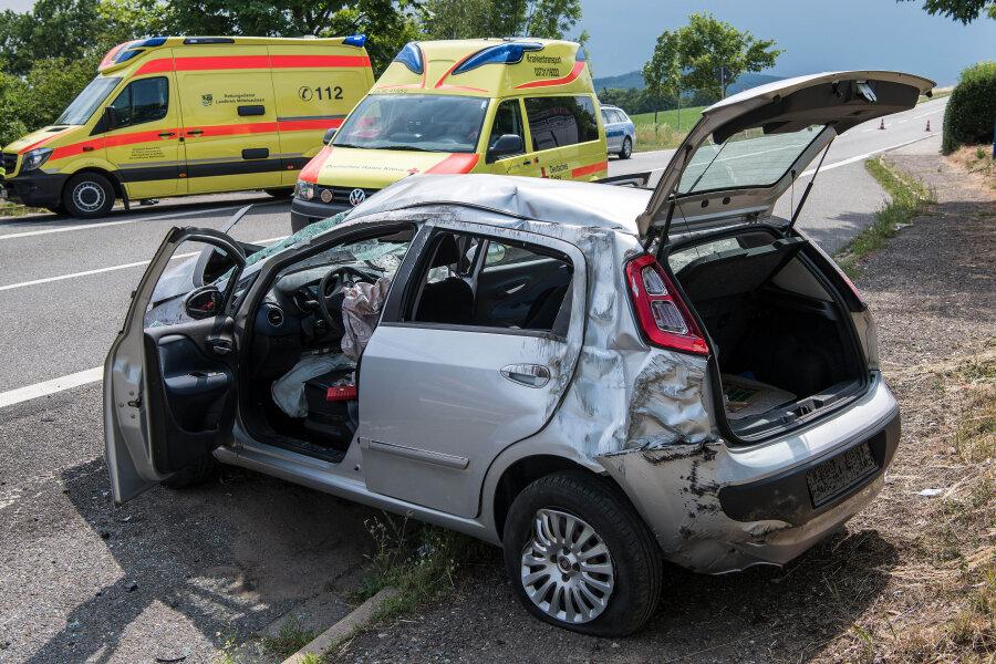 Schwerer Verkehrsunfall auf B175 zwischen Geringswalde und Rochlitz