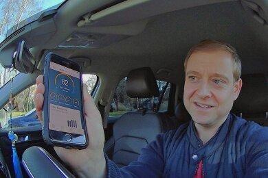 Marco Klinger aus Dresden lässt seit Ende November 2020 sein Fahrverhalten von der Versicherung überwachen.
