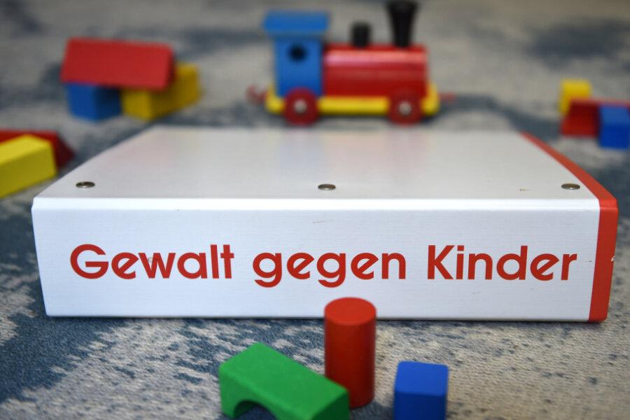 Zunahme von Gewalt gegen Kinder in Sachsen: Jugendamt prüft mögliche Defizite