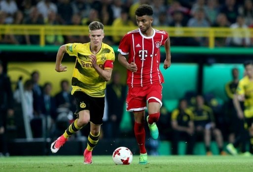 Maxime Awoudja (r.) erhält beim FCB einen Profivertrag
