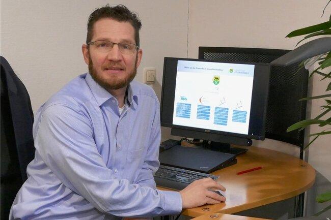Geschäftsführer Marcel Koch an seinem neuen Arbeitsplatz im Zschopauer Krankenhaus.