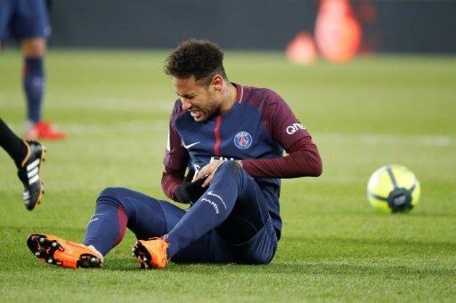 Neymar fällt bis Mitte Mai aus