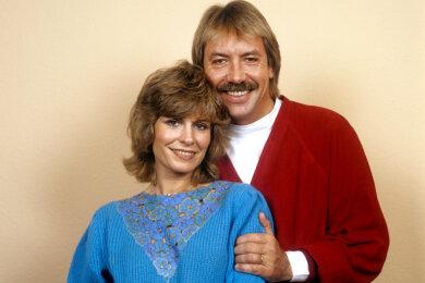 Werner Böhm (alias Gottlieb Wendehals) mit seiner Frau Schlagersängerin Mary Roos im Jahr 1983.