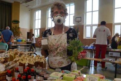Simone Hubo aus Mühltroff gehörte am Sonntag zu den Teilnehmern des 14.Grünbacher Kräutertages.